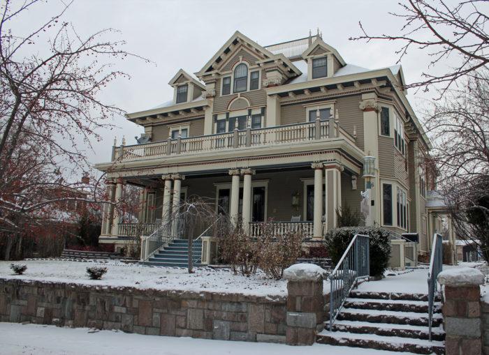 7 Strange And Unique Houses In South Dakota