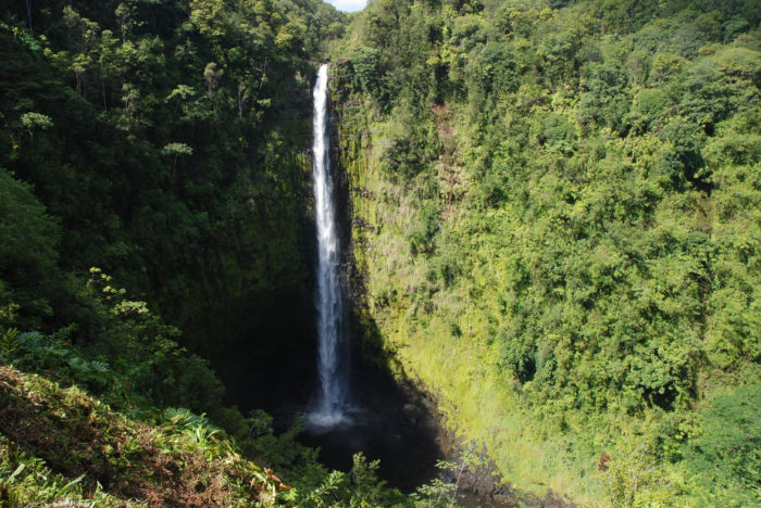 6. Akaka Falls