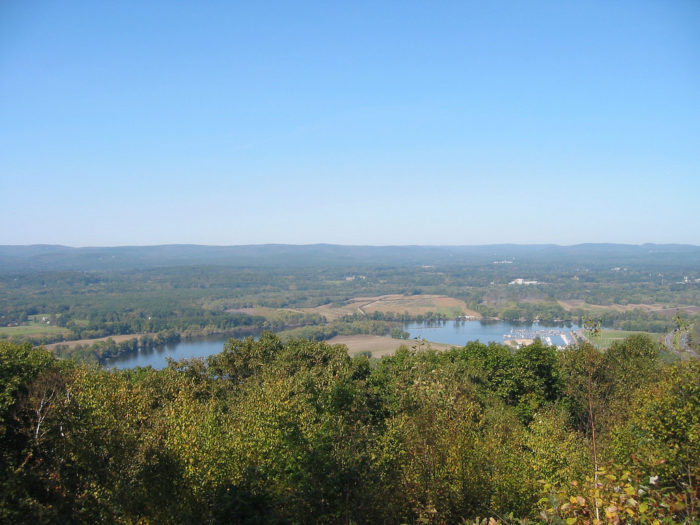 6. Mount Nonotuck (Litchfield)