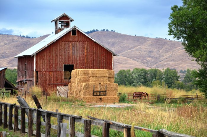 13. This lovely farm near Hells Canyon is pristine in every way.