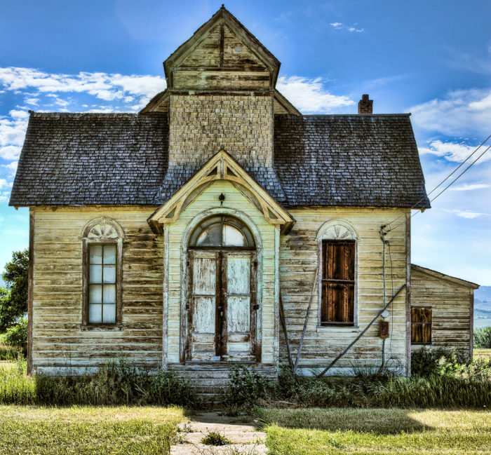 11 abandoned school buildings in idaho - The house in the abandoned school ...