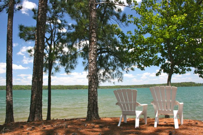 2. If the beach isn't your thing, but you still enjoy being on or near the water, Alabama is home to many amazing lakes.