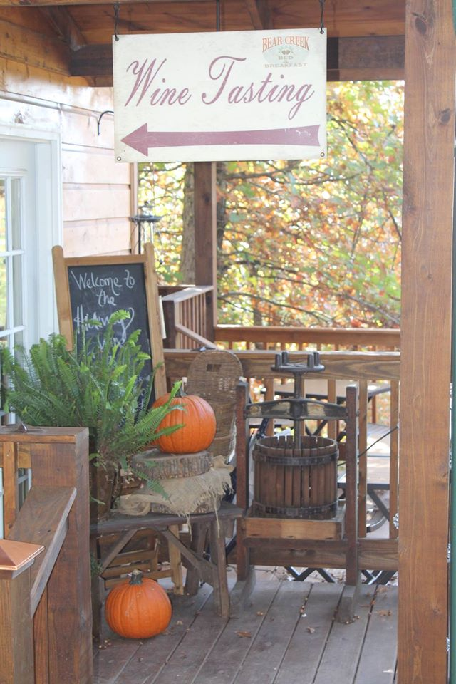 7. Bear Creek Lodge Bed and Breakfast – Walnut Shade, Mo.