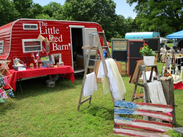 7. Vintage By The Creek, Grove
