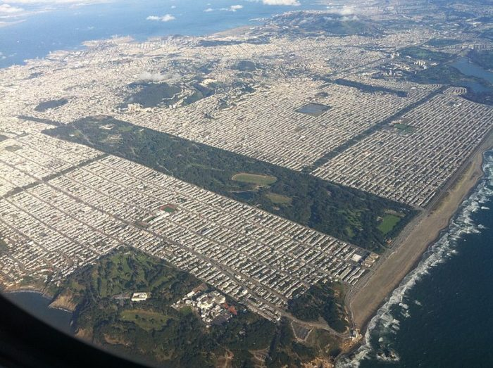 7. This shows off the impressive greenery of Golden Gate Park, which cleanly separates the Sunset from the Richmond District.