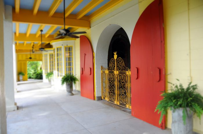 Bright colors reflect the Caribbean plantation style.