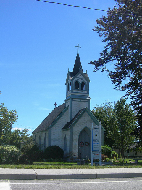 15. Church of the Holy Cross, Middletown