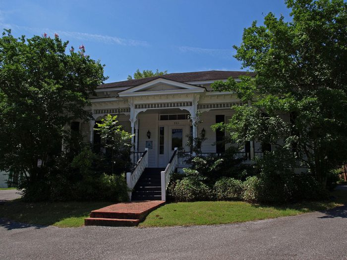 4. Cottage Hill Historic District (Montgomery)