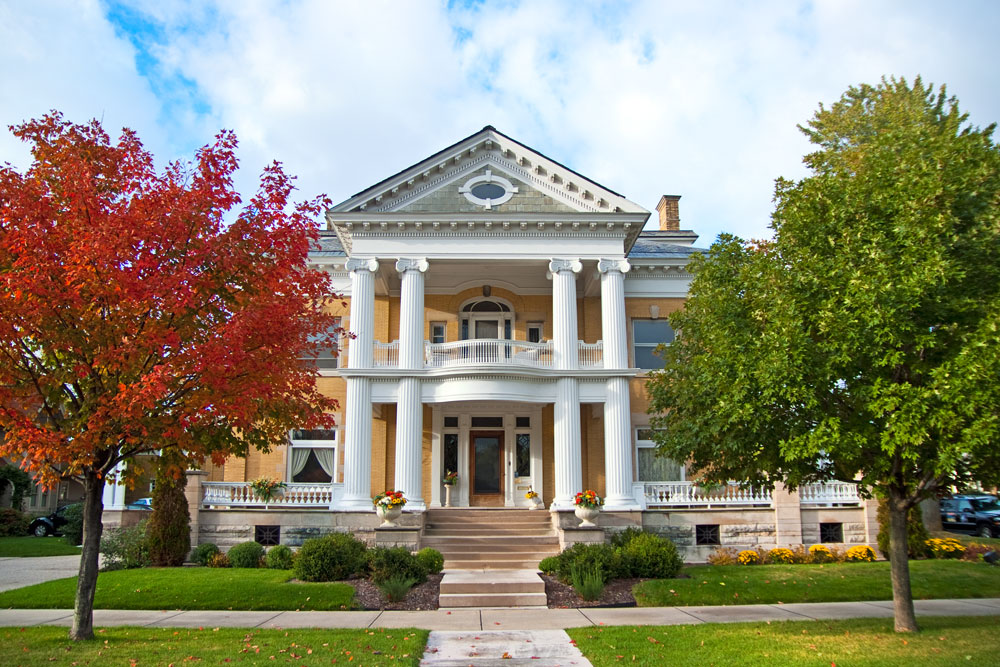 9 Little Known Inns To Stay At In Michigan