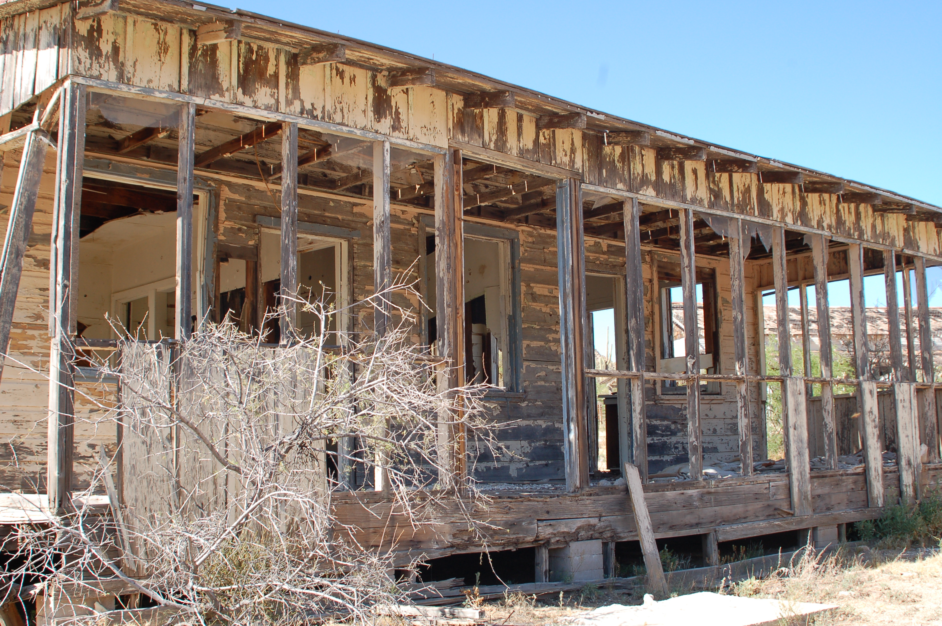 Nature Is Reclaiming This Abandoned Ranch In Arizona