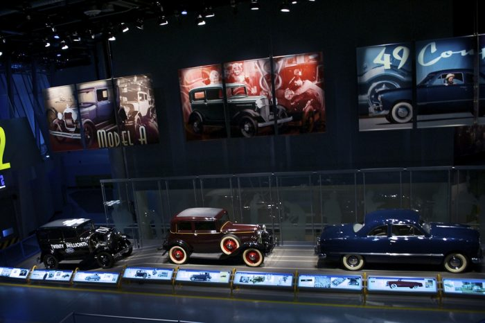 4. Ford Rouge Factory Tour, Dearborn