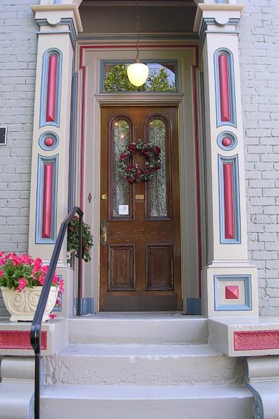 10. Gateway B&B at 326 E 6th Street in Newport