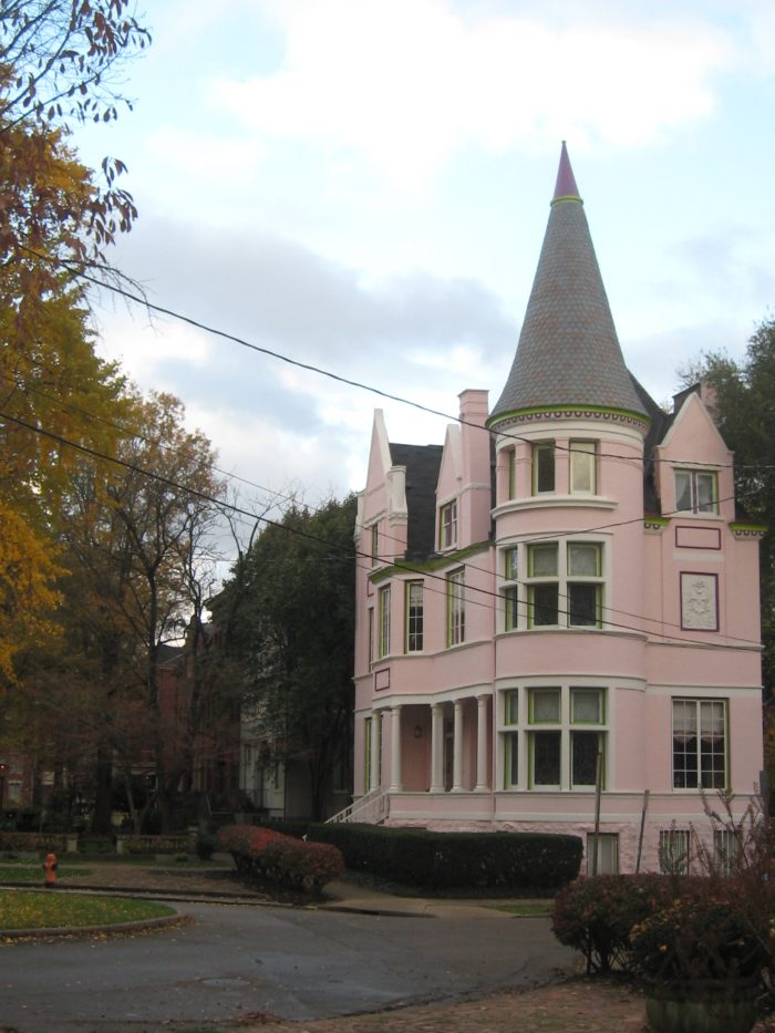 9. Ghosts of Old Louisville Tour