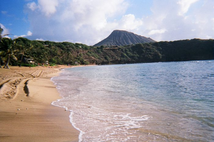 Dr. Beach awards extra credit to beaches that ban smoking, as well as for beaches that place an emphasis on environmental management and beach safety – Hanauma Bay was not only the state's first marine life conservation district and beach to ban smoking, but is also heavily lifeguarded.