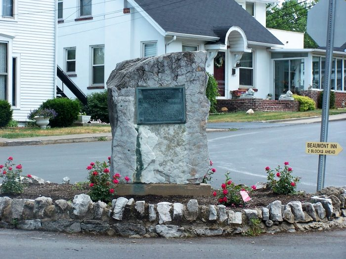 Harrodsburg. monument
