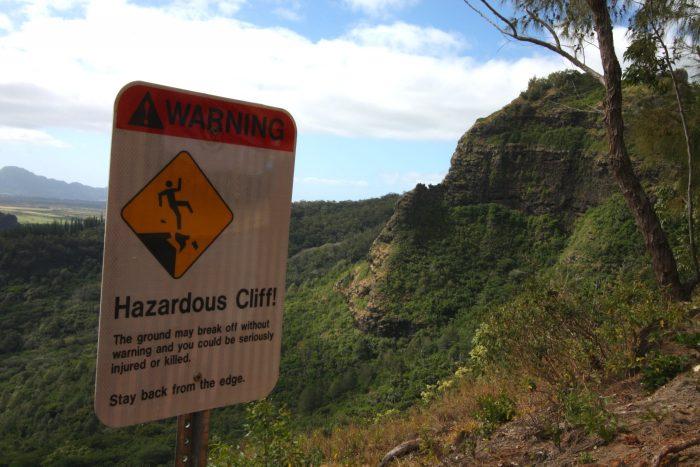 7. Hazardous cliffs are a big threat in Hawaii.