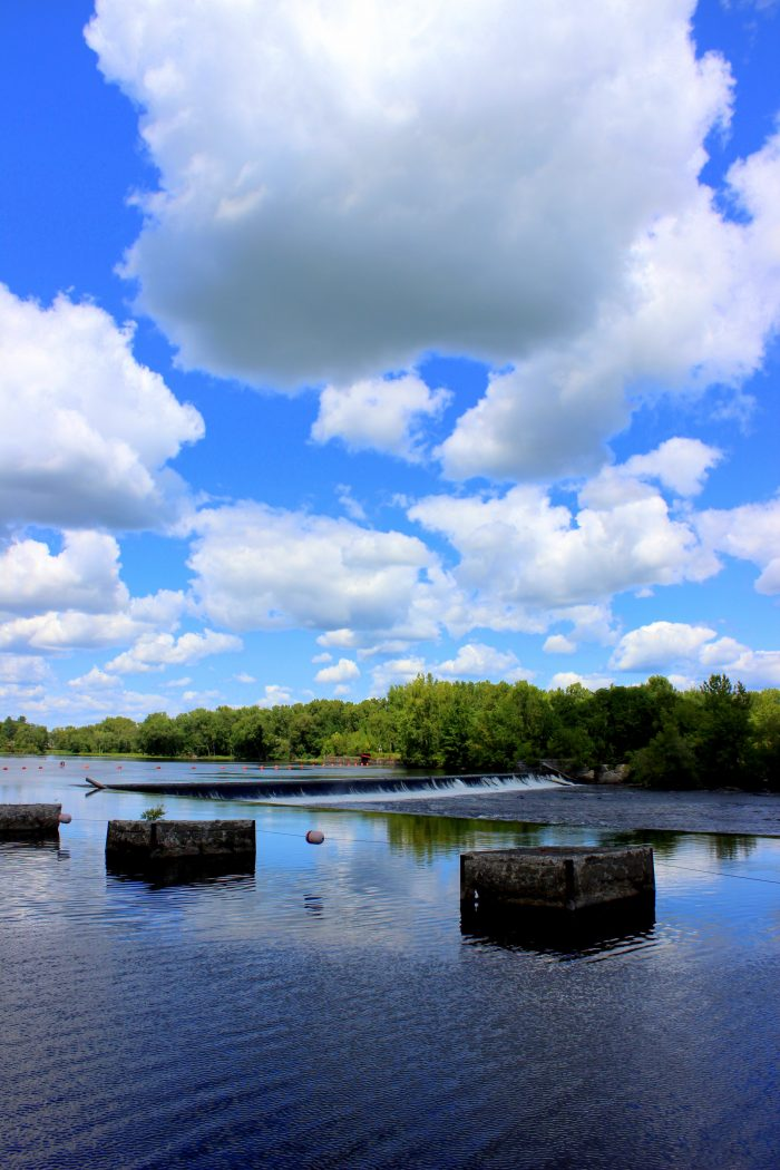 The Captain's Choice is a 75-minute cruise that takes you through one of the most beautiful areas on the Champlain Canal.