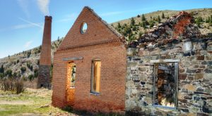 This Footage Of A Forgotten Montana Ghost Town Is Eerie Yet Beautiful