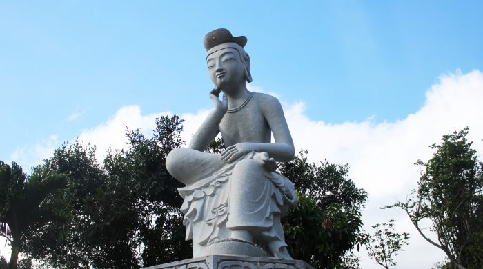 A replica of a historic statue from the Silla Dynasty, the statue of Miruk Boddhisatava is often seen as the Buddha of the future, who will someday return to establish a utopic world. The eight figurines that sit underneath refer to the eight barbarian kinds who converted to Buddhism while the religious teachings spread from India to China.