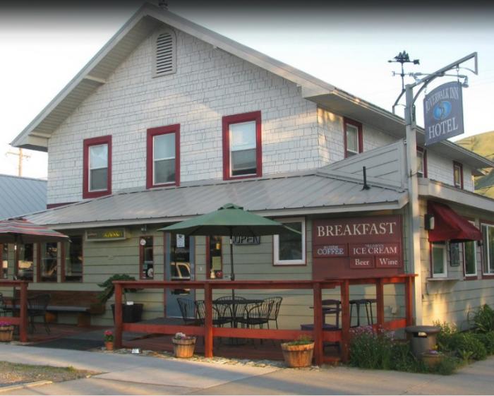 2.  Riverwalk Inn, Chelan