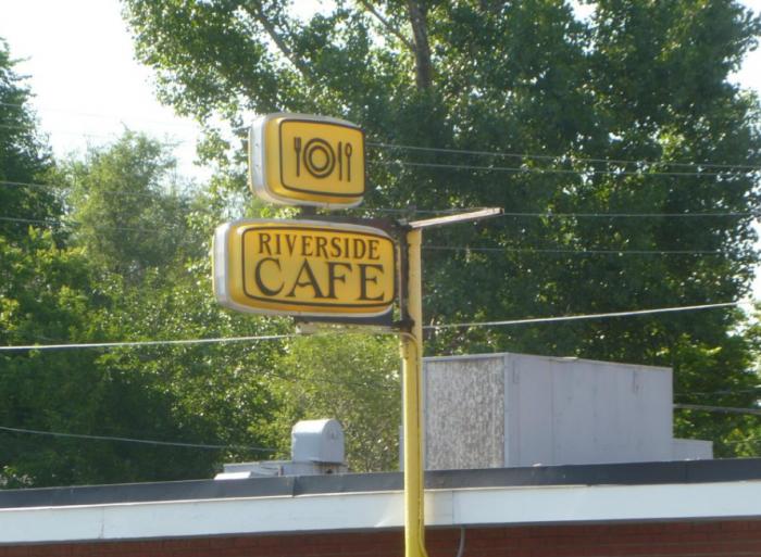 6. Riverside Cafe (Wray)