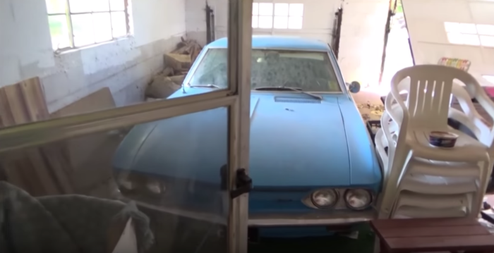 What the explorer finds in the garage is truly incredible.