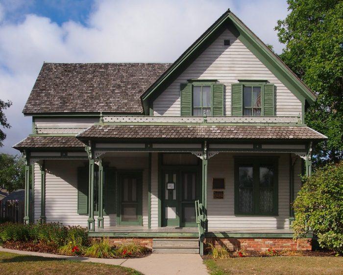 9. Sinclair Lewis Boyhood Home