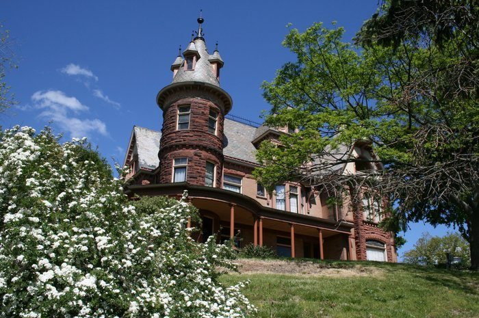 8. The Henderson Castle Inn, Kalamazoo
