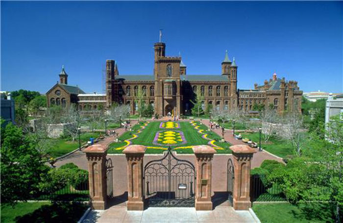 13. Visit the Smithsonian.