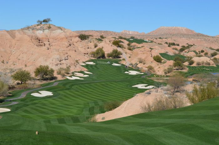 6. Feel like playing a round of golf now that you're retired? No worries! Nevada is home to several amazing golf courses, including Mesquite's Wolf Creek Golf Club - one of the best courses in the world.