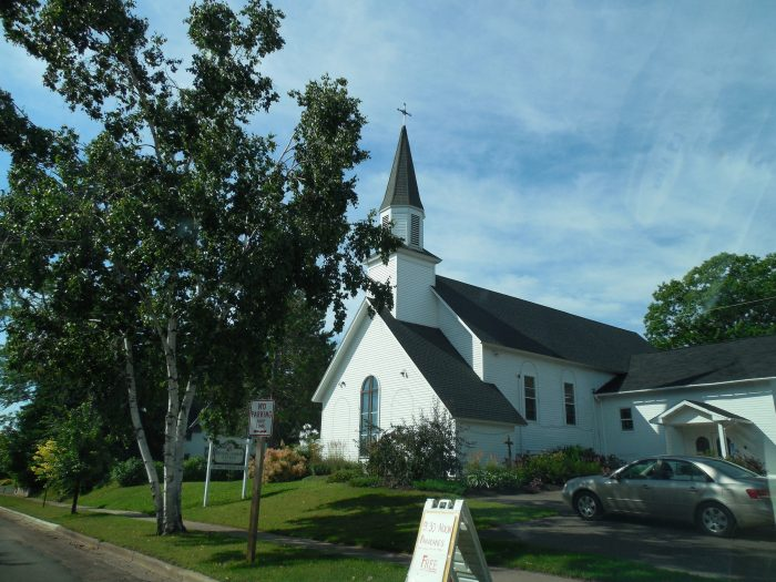 7. There are quaint churches to see.