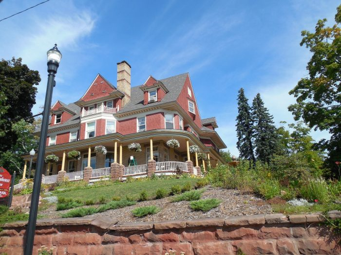 8. And fabulous bed and breakfasts to stay at.
