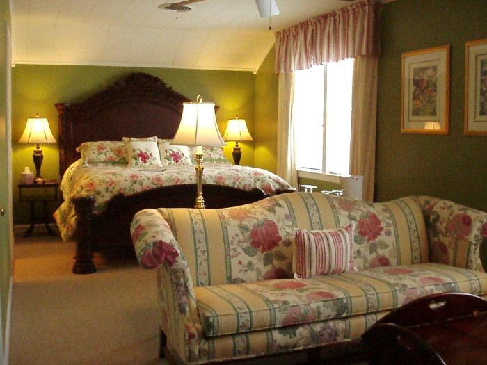 andrew-morris-house-bed