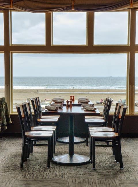 4. The Beach Chalet Brewery & Restaurant: 1000 Great Highway at Ocean Beach