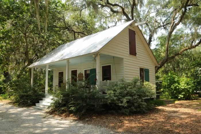 3. Bluffton's Historic Guest House - Bluffton, SC