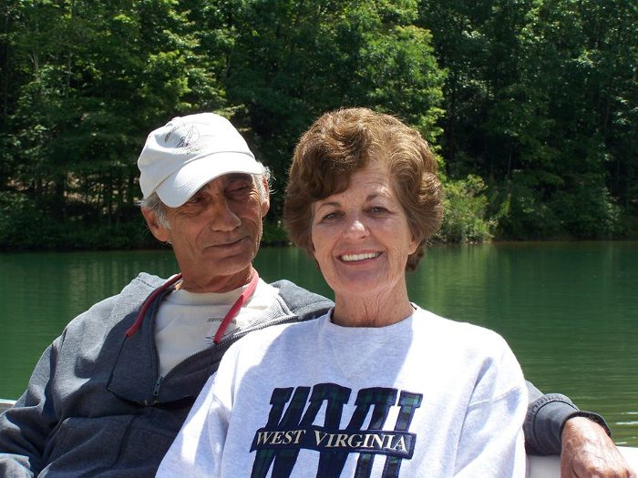 Bob and Sandy Richards want more people to experience the joy they feel when they sail a boat.