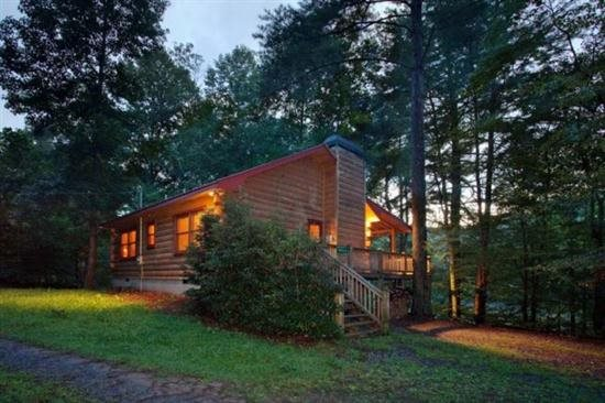 5. A Lakeside Retreat for the Family