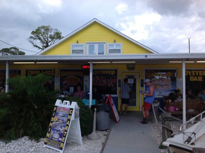 3. Hunt's Oyster Bar, Panama City