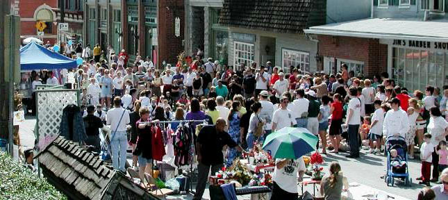 Or if you're ready to mingle, Sykesville hosts several fun events throughout the year, including adult-focused fests like the Art & Wine Festival...