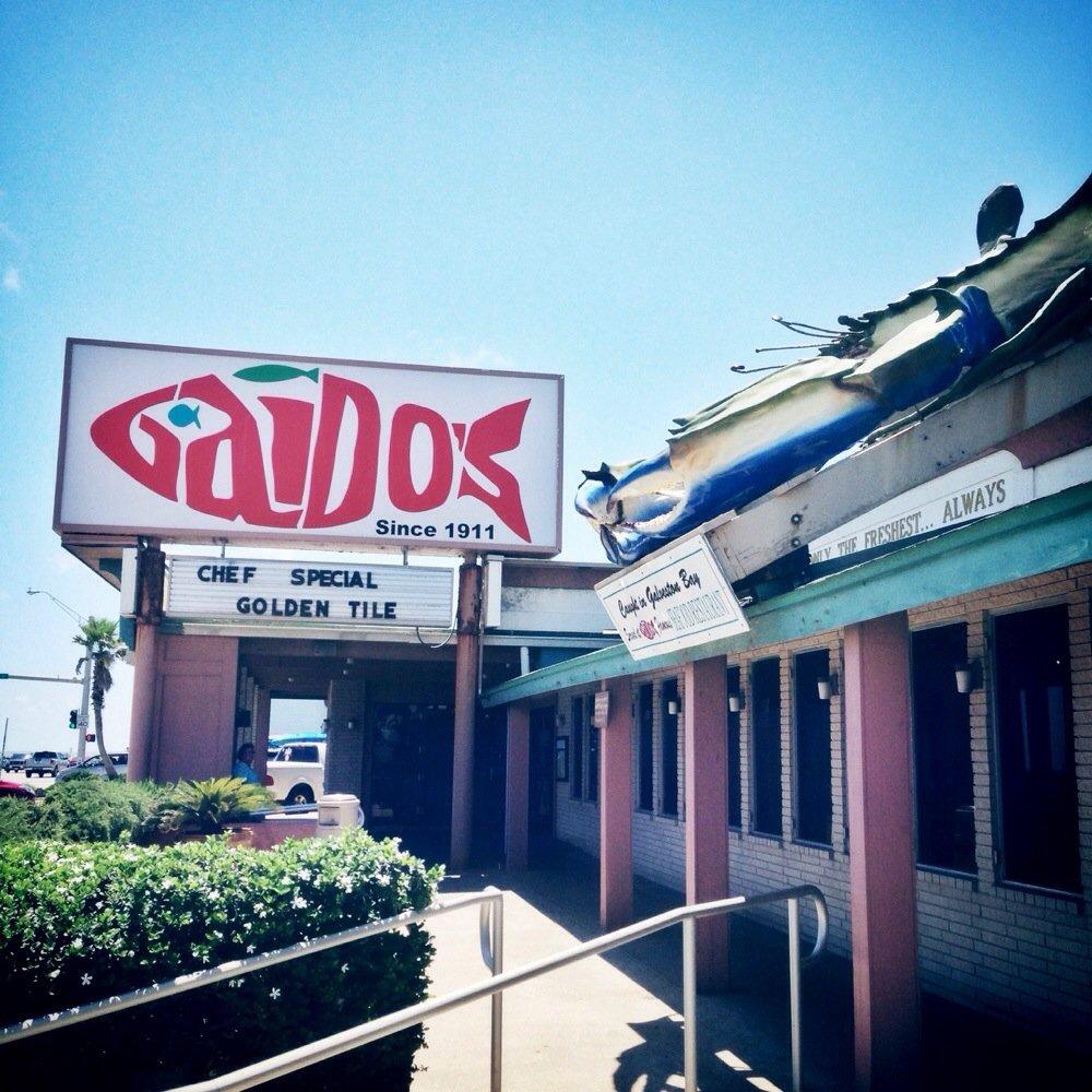 8 delicious beachfront restaurants in texas