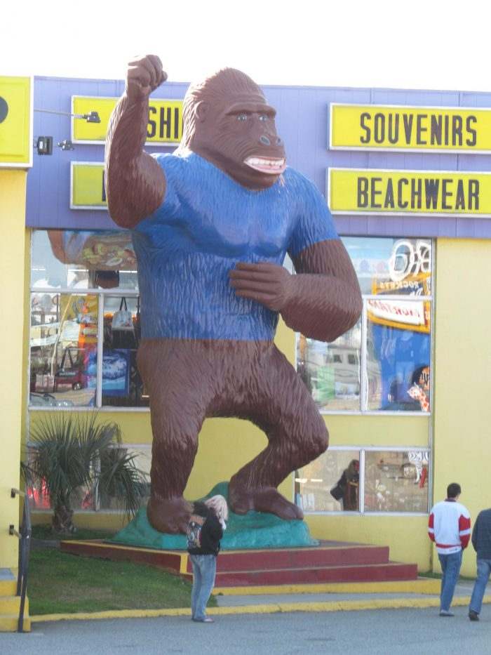 2. The giant gorilla at South of the Border