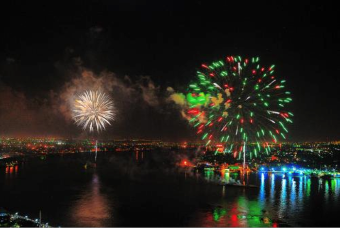 8. Go 4th on the River, New Orleans Riverfront