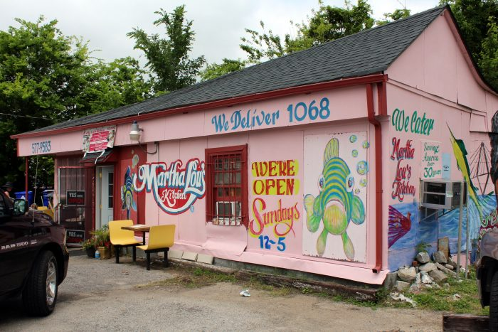 """2. Eat at an iconic """"hole-in-the-wall"""" restaurant."""