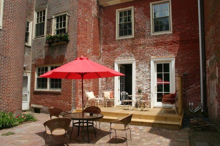 3. The Lily Inn, Burlington