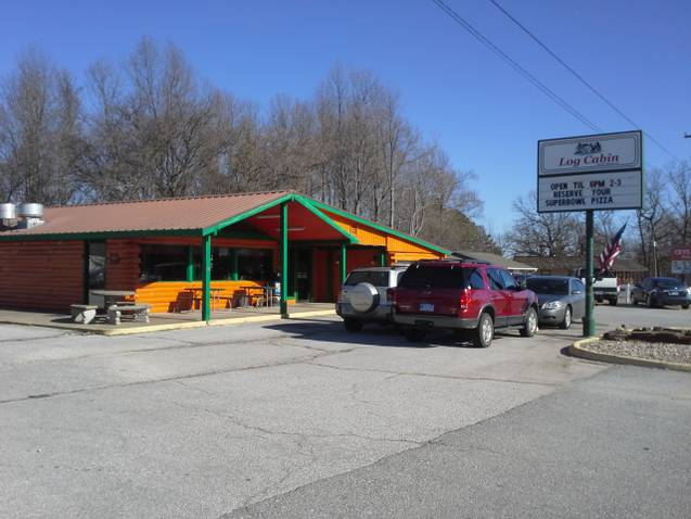 3. Log Cabin Family Restaurant (Rogers)