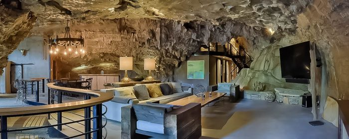 We Dare You To Stay In This Arkansas Cave Lodge