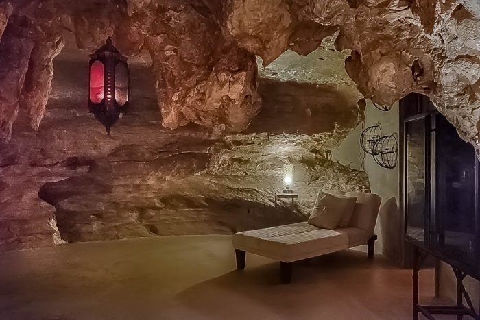 There's no place in the world quite like Beckham Cave Lodge, and you can rent it for the weekend.