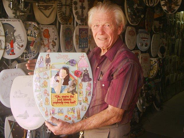 4. Barney Smith's Toilet Seat Art Museum (San Antonio)