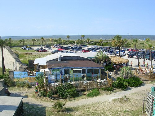 3. North Beach Bar and Grill—33 Meddin Dr, Tybee Island, GA 31328