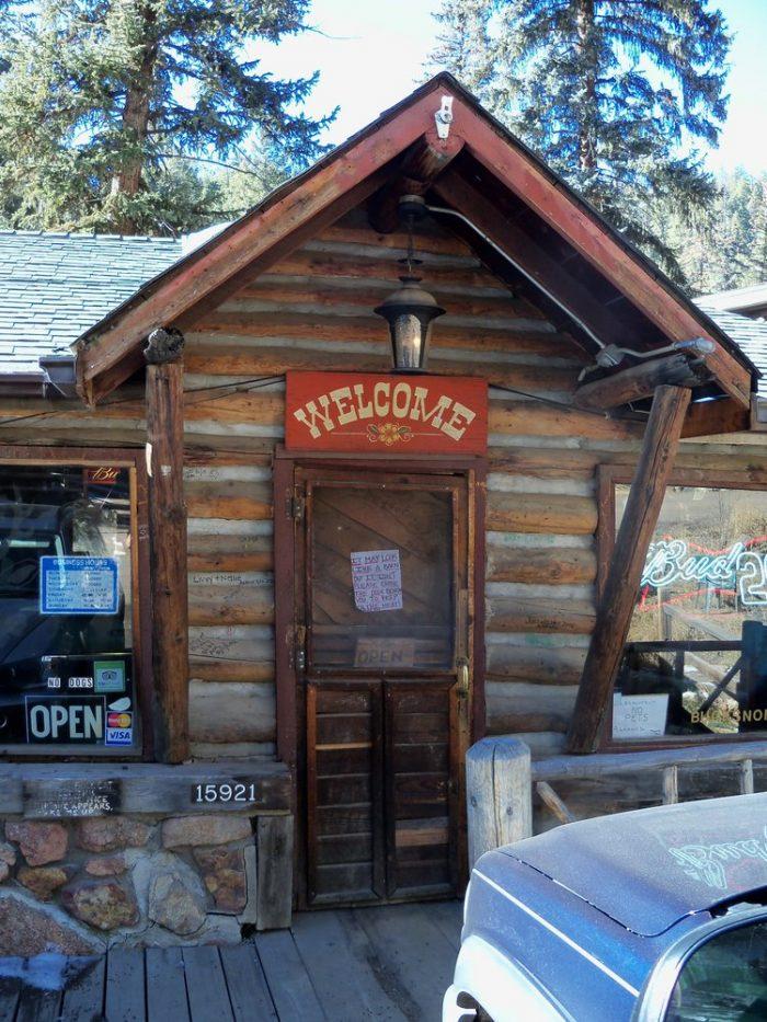 7. Bucksnort Saloon (Sphinx Park)